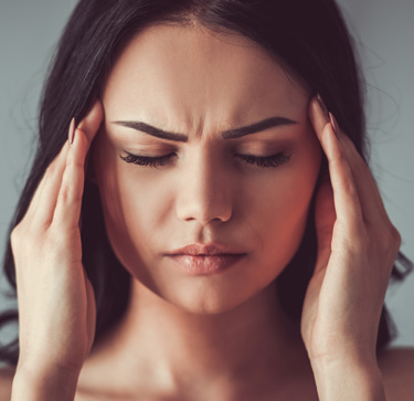 HEADACHE OR MIGRAINE: SIGNALS OF VISION PROBLEMS