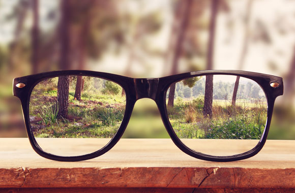 How to Choose the Right Prescription Lenses for Your Eyes ...